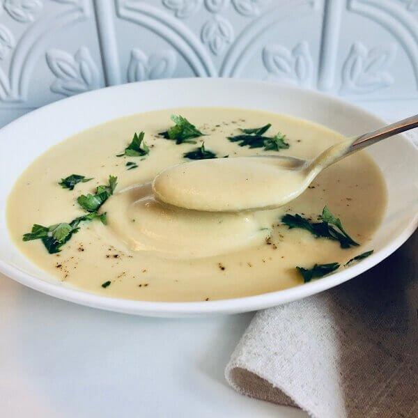 Cauliflower soup in a bowl.